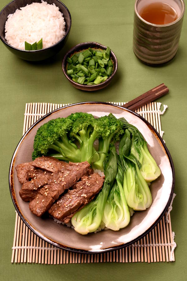 Korean Barbecue Flavor Beef Bowls | WednesdayNightCafe.com