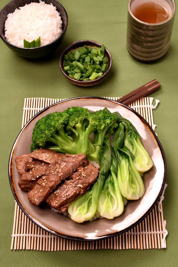 Korean Barbecue Flavor Beef Bowls | WednesdayNightCafe.com