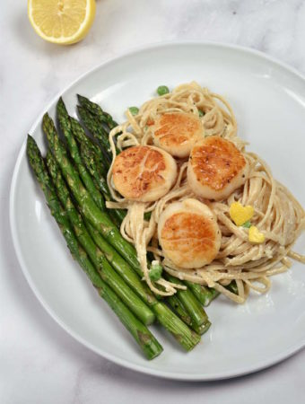 Creamy Pasta with Scallops and Asparagus| WednesdayNightCafe.com