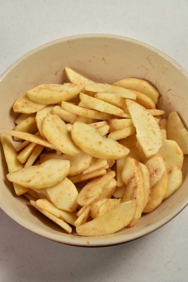 Individual Apple Crisps| WednesdayNightCafe.com